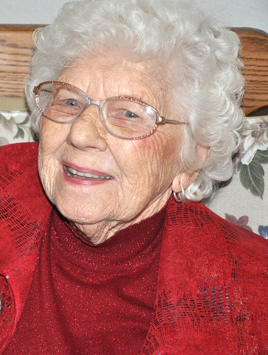 Ellen Carlson, former co-owner of The Lake Orion Review, passes at 97