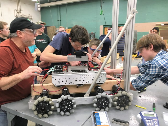 LOHS Robotics Team 302 kicks off season in high gear