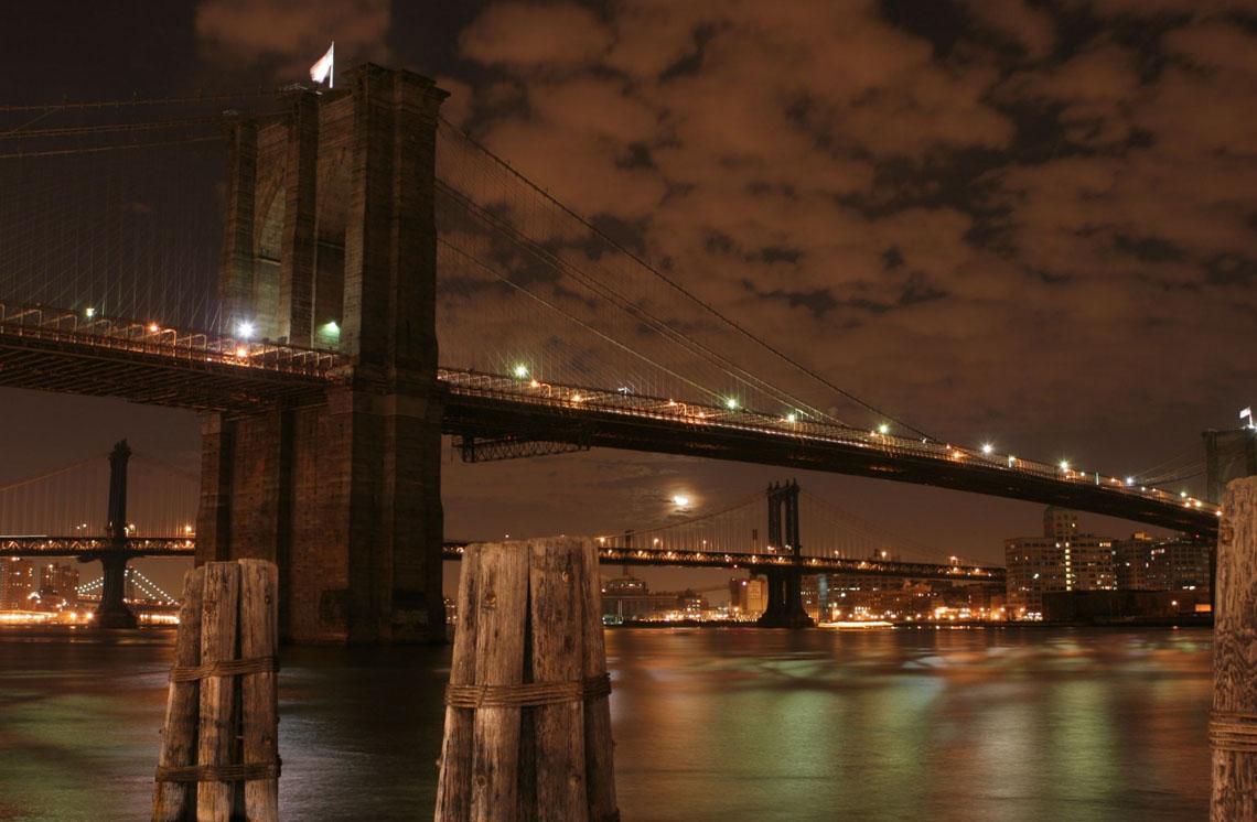 02_Brooklyn_Bridge_at_Night