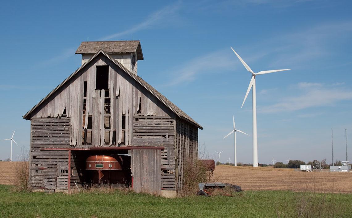 02_Barn_wind_turbines_0504