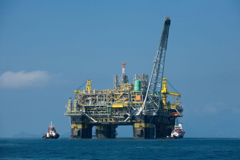 Oil_platform_P-51