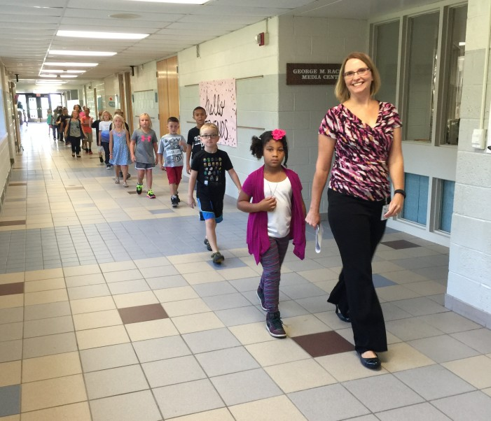 Welcome Back! Students 1st Day of School!