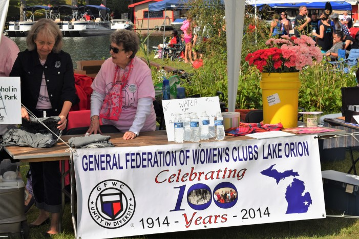 GFWC Lake Orion Women's Club hosts open house