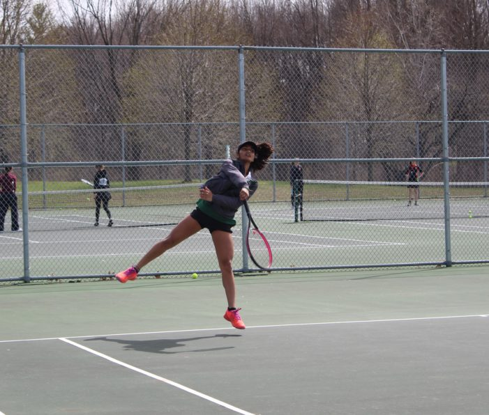 LO girls tennis team begins division play in OAA White