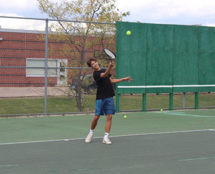 LOHS boys tennis prepares for regionals this week
