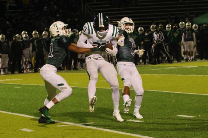 Lakers swamp the Dragons in football action