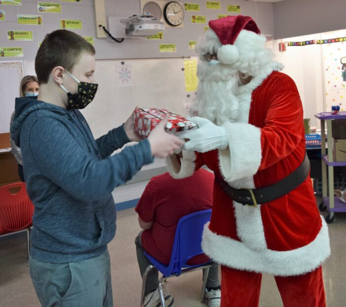 Lions Club continues a holiday tradition at the Pine Tree Center
