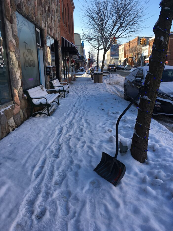Who shovels the snow in downtown LO?